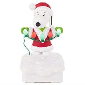 2015 Hallmark Snoopy Peanuts Christmas Light Show